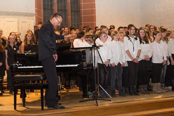 Der Chor unter Leitung von Musiklehrer Jürgen Franke